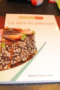 et un livre de plus!!!!!! dans je m'équipe pour le jour J img_1800-200x300
