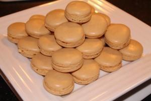 Pyramide de macarons au café dans les macarons img_1837-300x200