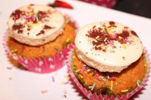 cupcake amande topping meringue dans cupcake img_1897-300x200