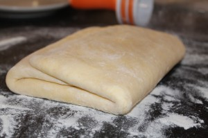 Première tentative pâte feuilletée ou feuilletage dans CAP pâtissier img_2313-300x199